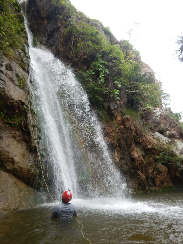 kd-falls-rappelling